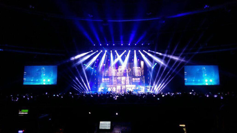 Chauvet-professional-chris-brown-1