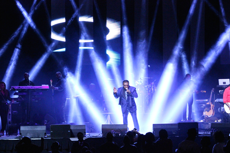 Isley-Brothers-chauvet-professional